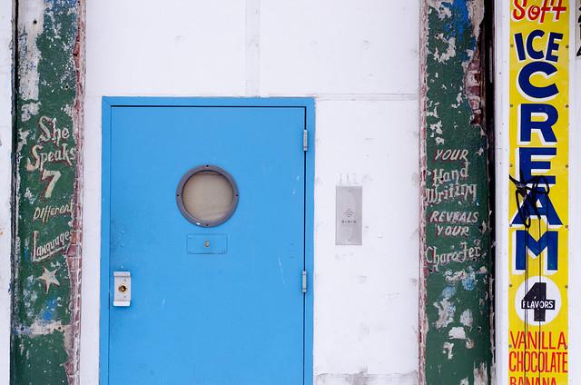 1223 Porthole