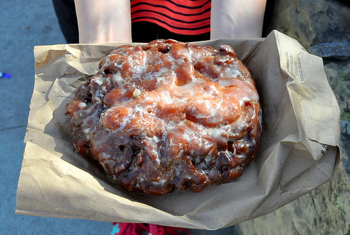 Apple Fritter Diaz Bakery - Ojai