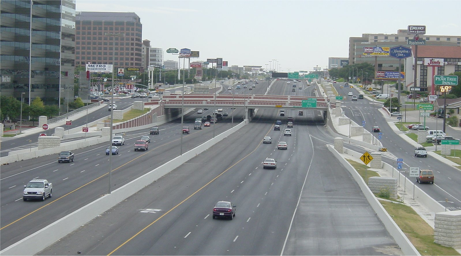i410_looking_w_from_281_overpass_7-july-2001_hres