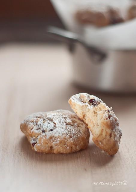 Biscotti all'olio d'oliva, mele e mirtili rossi