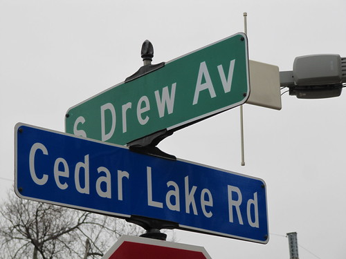 Cedar Lake Rd at Drew Ave S