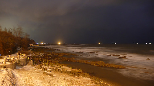 china shandong province yantai city winter beach storm stormy sea waves rocks long exposure snow evening night light nacht nachtaufnahme noche nuit notte noite 中国 山东 烟台 大海 大风 ©allrightsreserved geotagged geo:lat=3752926785192822 geo:lon=12143301263451576 mygearandme mygearandmepremium mygearandmebronze mygearandmesilver mygearandmegold mygearandmeplatinum tripleniceshot doubleniceshot mygearandmediamond longexposure langzeitbelichtung