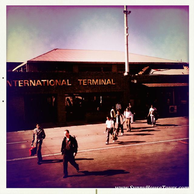 陽光小屋旅遊 www.SunnyHouseTours.com 尼泊爾 機場 西藏