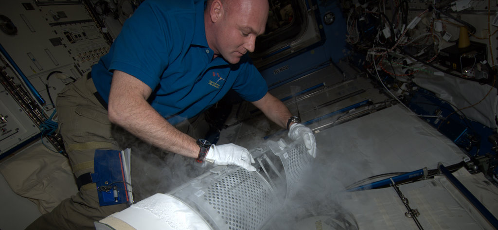 ESA astronaut freezing samples of Roald-2