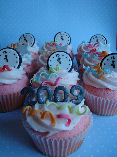 6585264639 c815c07c25 New Years Eve Celebration Cupcake Decorating Ideas