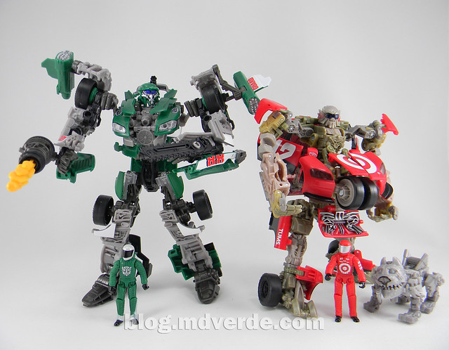 Transformers Roadbuster DotM Human Alliance - modo robot vs Leadfoot