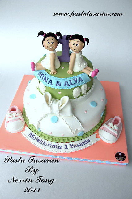 TWINS 1ST BIRTHDAY CAKE- MINA &ALYA