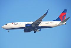 Delta Air Lines Boeing 737-800; N376DA@LAX;11.10.2011/623ar