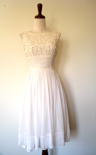 Sequined & Sleeveless White Chiffon Party Dress, vintage 50s