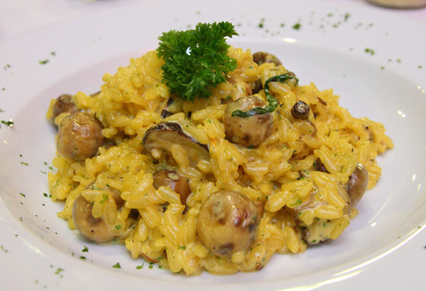 risotto-with-safron-&-mushrooms