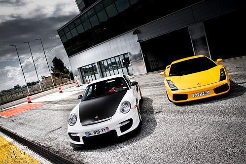 GT2RS or Gallardo? Make your choice!