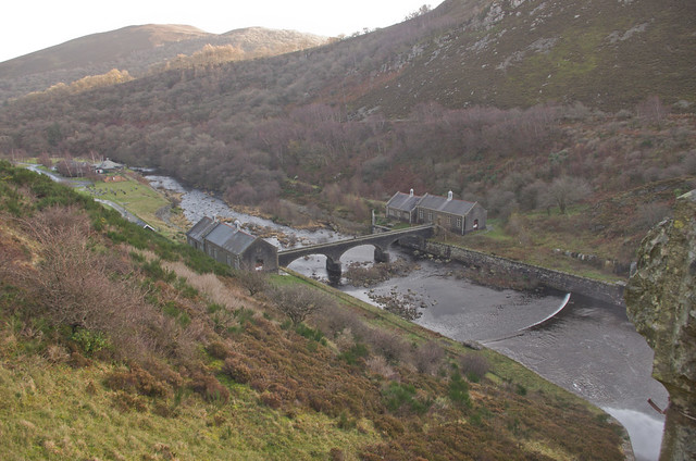 Elan valley dam bridge