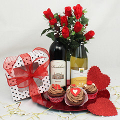 wine and cupcakes Valentine's Day Gift Basket