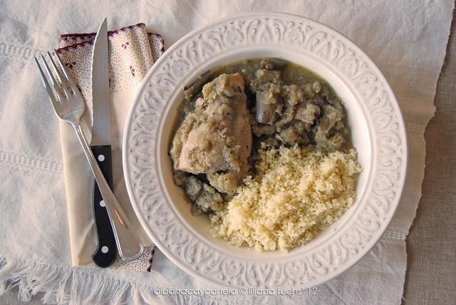 Cocotte de pollo y berenjena con cous-cous