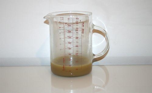 25 - Brühwasser abmessen / Gauge cabbage water