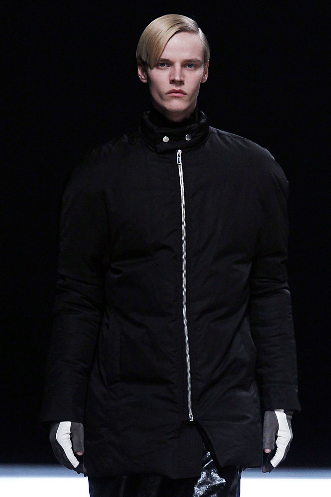 FW12 Paris Rick Owens073_Bart Grein(VOGUE)