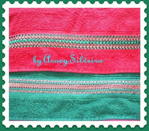 bordado com fita nas toalhas de Natal by Cantinho da Aracy
