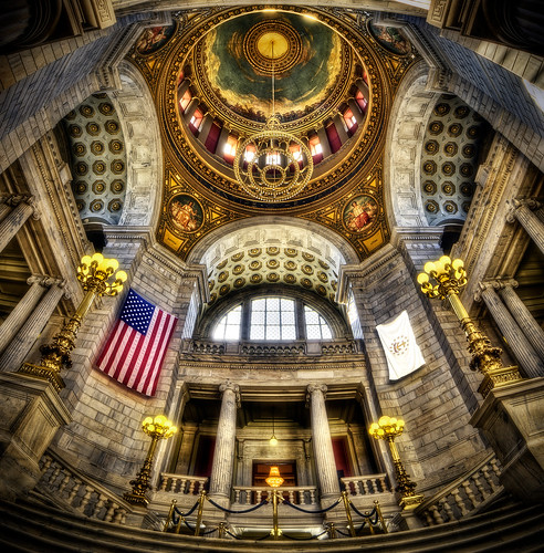 The RI State House by Frank C. Grace (Trig Photography) via I {heart} Rhody