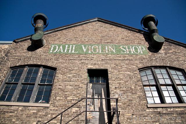 Dahl Violin Shop
