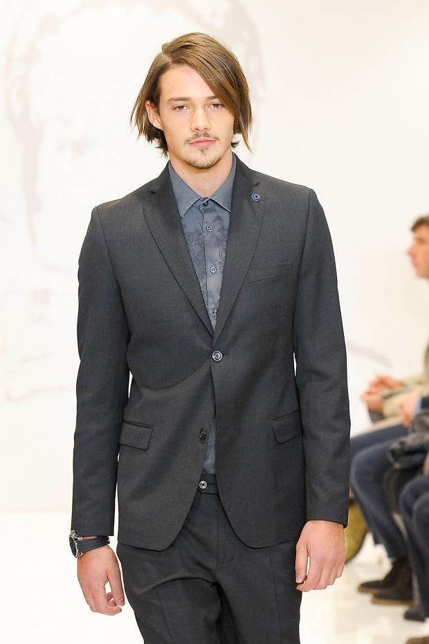 Rob Moore3367_FW12 Milan Roccobarocco(fashionising.com)