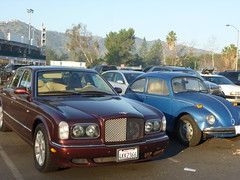 jaguar s-type(0.0), automobile(1.0), executive car(1.0), vehicle(1.0), automotive design(1.0), rolls-royce silver seraph(1.0), bentley arnage(1.0), antique car(1.0), sedan(1.0), land vehicle(1.0), luxury vehicle(1.0), bentley(1.0), motor vehicle(1.0),