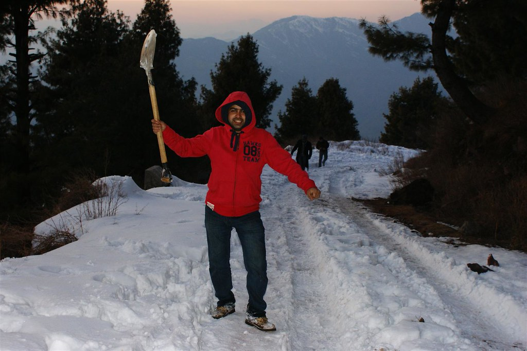 Muzaffarabad Jeep Club Snow Cross 2012 - 6812847151 a6e4752c7d b