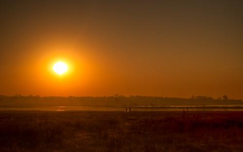 people sun india mist silhouette fog sunrise landscape nikon asia village riverbed 1855mm hyderabad sunrays andhrapradesh hws mistymorning gandipet d3000 swaratghoshphotography maharajapeth