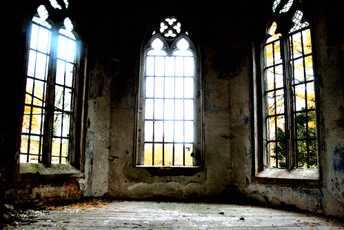 Little Urbex Castle In Belgium (7)