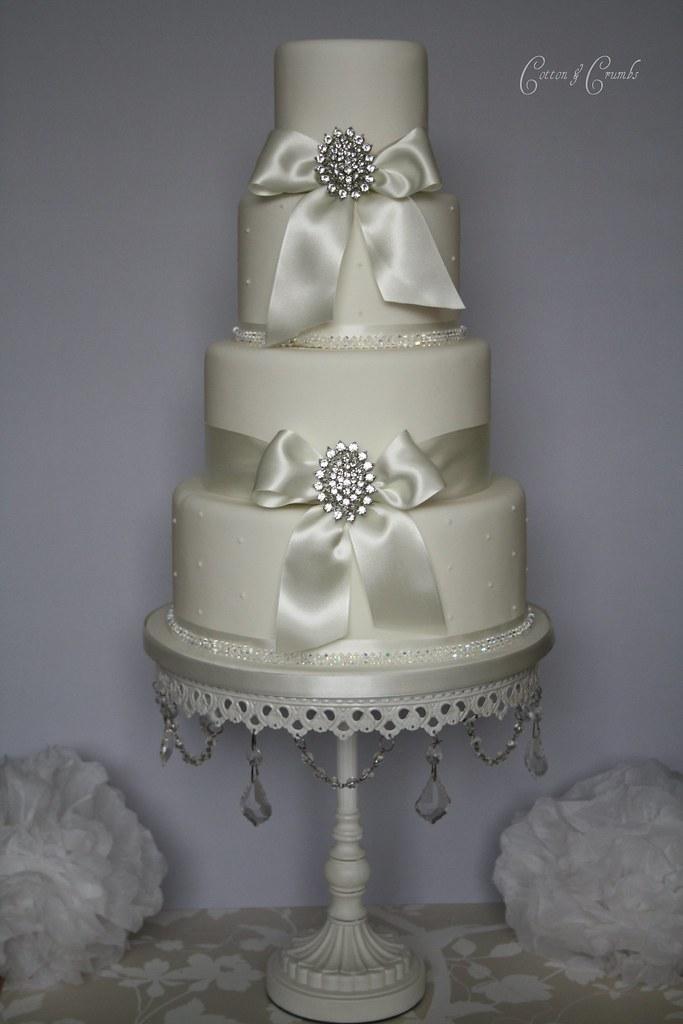 Simple Elegance Wedding Cake Very Simple But Elegant Weddi Flickr