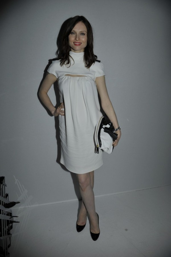 7i - Sophie Ellis-Bexter wearing Burberry at the Burberry Paris event