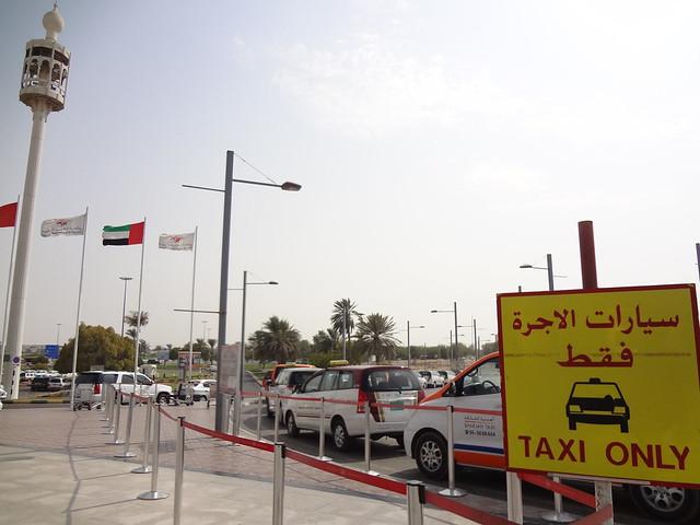 Transportes Aeroporto de Sharjah EAU, Taxi