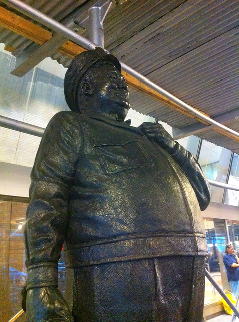 Port Authority (Ralph Kramden statue)
