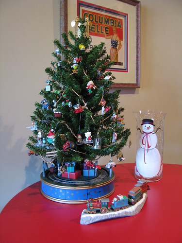 Dept 56 Christmas Tree
