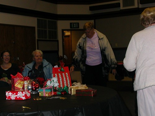 Dec 13 2011 Relief Society Ornament Exchange (4)