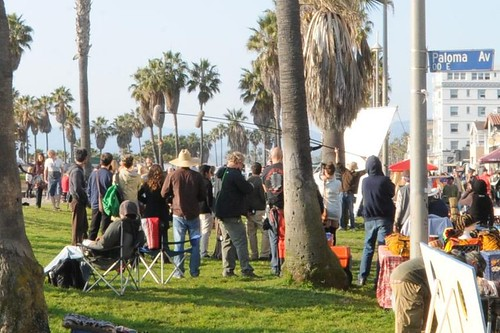 'New Girl' Zooey Deschanel on Location Venice Beach