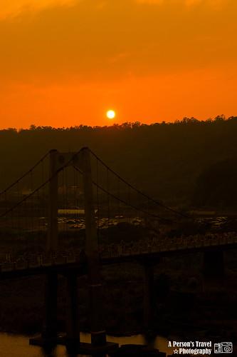 夕陽西下佐吊橋