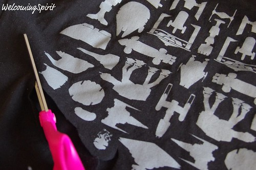 Star Wars Toddler Sweatshirt - cutting the t-shirt