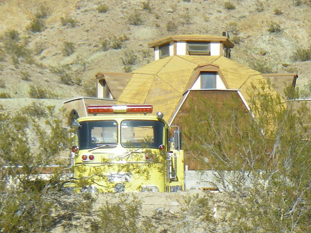 Dome Shaped House With Yellow Firetruck In The Yard Calic Flickr