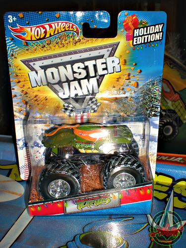 """ Hot Wheels "" Monster Jam ' Teenage Mutant Ninja Turtles ' 1:64 Monster Truck - Michelangelo {  HOLIDAY EDITION } i (( 2011 ))"