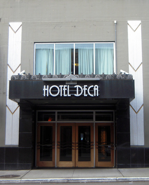 Hotel Deca Art Deco Entrance