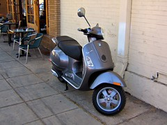 Vespa (by: Shindoverse, creative commons license)