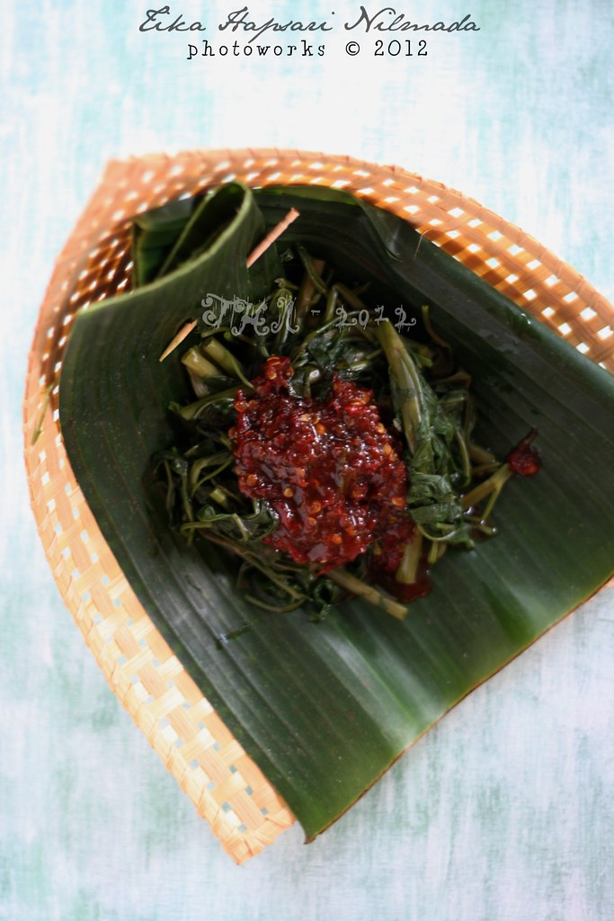 (Homemade) - Rujak kangkung / Boiled water spinach with sambal