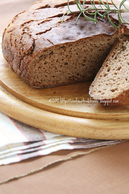 No-knead bread alla farina di castagne