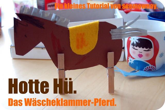 Wäscheklammer-Pferd.