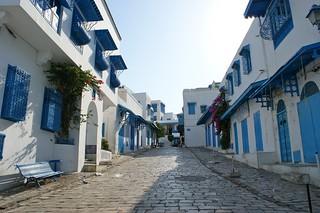 Rue principale de Sidi Bou Said avant la foule !