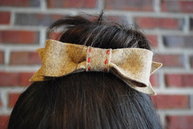 bow hair comb