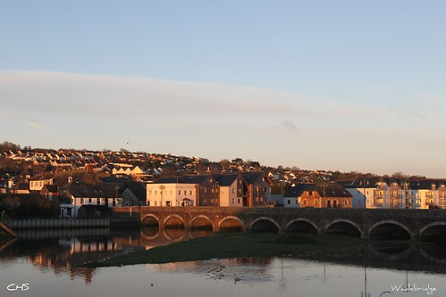 Wadebridge (Cornwall), at dawn.  (River Camel) by Stocker Images
