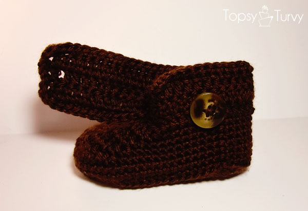 crochet-baby-wrap-button-boots-boys