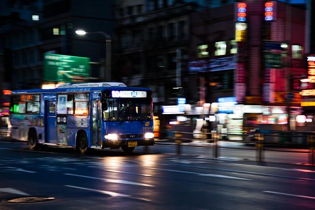 Night Bus [EOS 5DMK2 | EF 24-105L@75mm | 1/25s | f/4.0 |  ISO400]