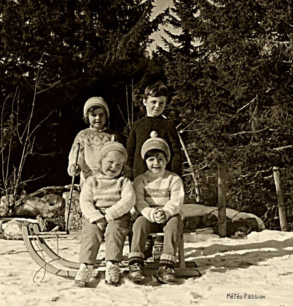 enfants dans la montagne Suisse mi février 1966 météopassion